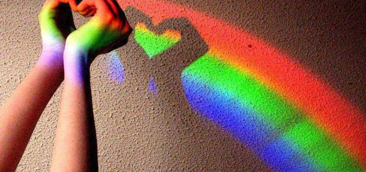 famiglia-gay-arcobaleno-omofobia